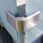 balaustra-parapetto-balcone-vetro-acidato-satinato-acciaio-inox-aisi-316-satinato-alluminio-duo-line-q-railing-azzate-varese-1b