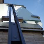 balaustra-parapetto-balcone-vetro-acidato-satinato-acciaio-inox-aisi-316-satinato-alluminio-duo-line-q-railing-azzate-varese-1c