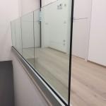 balaustra-parapetto-vetro-profilo-alluminio-fissaggio-a-terra-varese-azzate-1e