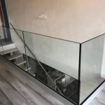 balaustra-parapetto-vetro-profilo-alluminio-fissaggio-a-terra-varese-azzate-4c