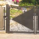 cancelletto-pedonale-cancello-carraio-due-ante-battenti-certificato-ferro-battuto-moderno-verniciato-elegante-personalizzato-unico-design-azzate-varese-1b
