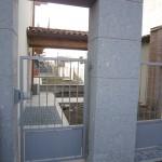 cancelletto-pedonale-ferro-verniciato-inserti-verticali-classico-design-azzate-varese-1a