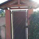 cancelletto-pedonale-ferro-verniciato-lamiera-moderno-design-azzate-varese-como-milano-canton-ticino-svizzera-2c