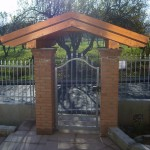 cancelletto-pedonale-ferro-zincato-inserti-verticali-classico-design-azzate-varese-1a