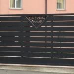 cancello-carraio-battente-certificato-ferro-verniciato-doghe-medie-orizzontali-disegno-taglio-laser-moderno-design-azzate-varese-1a