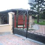 cancello-carraio-due-ante-battenti-certificato-ferro-battuto-verniciato-elegante-personalizzato-unico-design-azzate-varese-1c