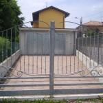 cancello-carraio-due-ante-battenti-certificato-ferro-battuto-zincato-inserti-verticali-design-azzate-varese-1a