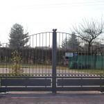 cancello-carraio-due-ante-battenti-certificato-ferro-verniciato-inserti-verticali-classico-design-azzate-varese-1a