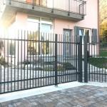 cancello-carraio-due-ante-battenti-certificato-ferro-verniciato-inserti-verticali-classico-wisniowski-economico-azzate-varese-1b