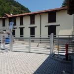 cancello-carraio-due-ante-battenti-certificato-zincato-doghe-basse-orizzontali-moderno-cantiere-design-azzate-varese-1b