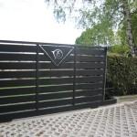 cancello-carraio-scorrevole-certificato-ferro-verniciato-doghe-medie-orizzontali-disegno-taglio-laser-moderno-design-azzate-varese-1