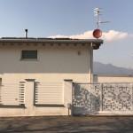 cancello-carraio-scorrevole-certificato-ferro-verniciato-taglio-laser-disegno-pizzo-elegante-personalizzato-unico-design-azzate-varese-1c