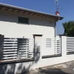 recinzione-ferro-verniciato-doghe-orizzontali-basse-moderna-design-azzate-varese-como-milano-ticino-svizzera-1b
