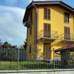 recinzione-ferro-verniciato-inserti-verticali-decoro-ferro-battuto-design-azzate-varese-como-milano-ticino-svizzera-1a