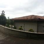 recinzione-ferro-verniciato-inserti-verticali-design-azzate-varese-como-milano-ticino-svizzera-3a
