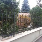 recinzione-ferro-verniciato-inserti-verticali-design-azzate-varese-como-milano-ticino-svizzera-3c