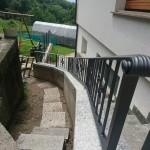 recinzione-ferro-verniciato-inserti-verticali-design-azzate-varese-como-milano-ticino-svizzera-5d