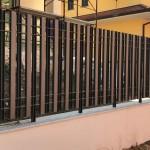 recinzione-ferro-verniciato-inserti-verticali-scatole-design-azzate-varese-como-milano-ticino-svizzera-1b