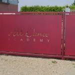 recinzione-ferro-verniciato-lamiera-disegno-taglio-laser-design-azzate-varese-como-milano-ticino-svizzera-1arecinzione-ferro-verniciato-lamiera-disegno-taglio-laser-design-azzate-varese-como-milano-ticino-svizzera-1a