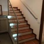 corrimano-acciaio-inox-aisi-304-satinato-luci-faretti-design-moderno-varese-azzate-2c
