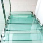 scala-moderna-design-novalinea-laser-exclusive-struttura-portante-laterale-acciaio-gradini-ringhiera-vetro-extrachiaro-azzate-varese-como-milano-brianza-svizzera-canton-ticino-1a