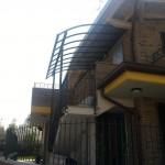 tettoia-addossata-curva-plexiglas-compatto-certificata-tuv-design-azzate-varese-11