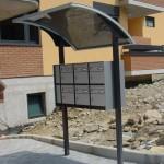 tettoia-pensilina-curva-plexiglas-compatto-copertura-cassetta-postale-certificata-tuv-azzate-varese-2