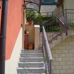 tettoia-pensilina-curva-plexiglas-compatto-copertura-entrata-certificata-tuv-design-azzate-varese-4
