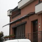 tettoia-pensilina-curva-plexiglas-compatto-copertura-entrata-certificata-tuv-design-azzate-varese-8a