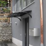 tettoia-pensilina-piana-plexiglas-compatto-copertura-entrata-certificata-tuv-design-azzate-varese-1