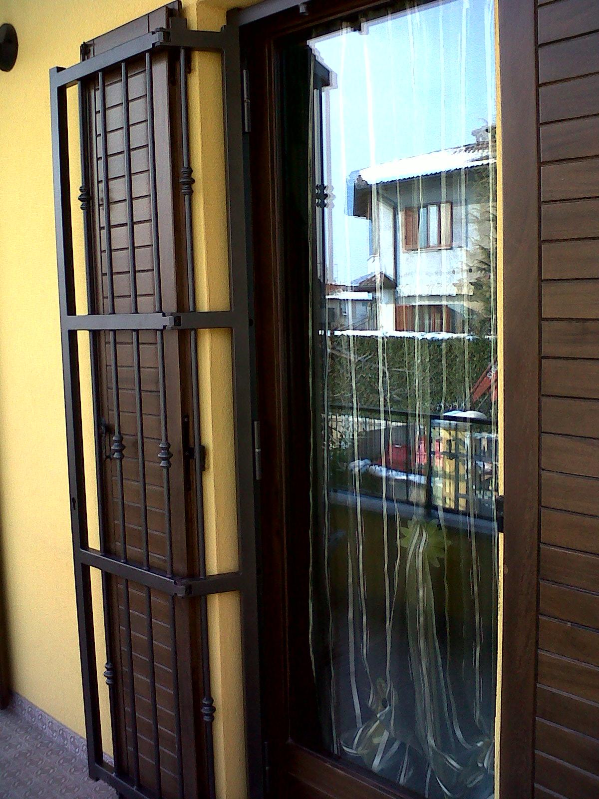 Grata con snodo con doppia apertura interna esterna monoanta la metal design - Finestre apertura esterna ...