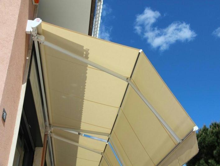 Tende Per Esterni Motorizzate.La Metal Design Tende Da Sole