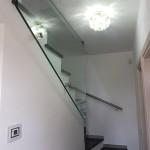 ringhiera-parapetto-scala-vetro-boccole-acciaio-inox-aisi-304-design-moderno-varese-azzate-1d
