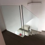 ringhiera-parapetto-scala-vetro-boccole-acciaio-inox-aisi-304-design-moderno-varese-azzate-1e