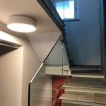 ringhiera-parapetto-scala-vetro-boccole-acciaio-inox-aisi-304-design-moderno-varese-azzate-3j