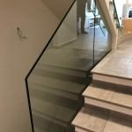 ringhiera-parapetto-scala-vetro-boccole-acciaio-inox-aisi-304-design-moderno-varese-azzate-3k