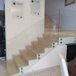 ringhiera-parapetto-scala-vetro-boccole-acciaio-inox-aisi-304-design-moderno-varese-azzate-milano-brianza-svizzera-canton-ticino-11a