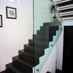ringhiera-parapetto-scala-vetro-boccole-morsetti-acciaio-inox-aisi-304-design-moderno-varese-azzate-3