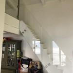 ringhiera-parapetto-scala-vetro-extrachiaro-boccole-acciaio-inox-aisi-304-design-moderno-varese-azzate-como-milano-svizzera-canton-ticino-3j