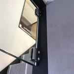 ringhiera-parapetto-scala-vetro-morsetti-acciaio-inox-aisi-304-satinato-design-moderno-varese-azzate-1f