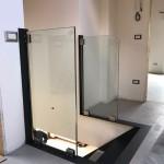 ringhiera-parapetto-scala-vetro-morsetti-acciaio-inox-aisi-304-satinato-design-moderno-varese-azzate-1i