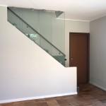 ringhiera-parapetto-scala-vetro-morsetti-acciaio-inox-aisi-304-satinato-design-moderno-varese-azzate-2e