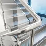 ringhiera-parapetto-scala-vetro-pinze-acciaio-inox-aisi-304-design-moderno-varese-azzate-1a