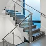 ringhiera-parapetto-scala-vetro-pinze-acciaio-inox-aisi-304-design-moderno-varese-azzate-1c