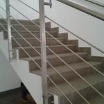 ringhiera-parapetto-scala-acciaio-inox-aisi-304-piantane-quadro-inserti-tondo-orizzontali-design-moderno-varese-azzate-1a