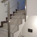 ringhiera-parapetto-scala-acciaio-inox-aisi-304-piantane-quadro-inserti-tondo-orizzontali-design-moderno-varese-azzate-3e