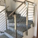 ringhiera-parapetto-scala-acciaio-inox-aisi-304-piantane-quadro-inserti-tondo-orizzontali-design-moderno-varese-azzate-milano-como-svizzera-canton-ticino-5b