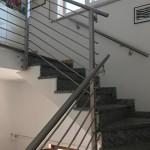 ringhiera-parapetto-scala-acciaio-inox-aisi-304-piantane-quadro-inserti-tondo-orizzontali-design-moderno-varese-azzate-milano-como-svizzera-canton-ticino-5d