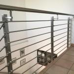 ringhiera-parapetto-scala-acciaio-inox-aisi-304-piantane-quadro-inserti-tondo-orizzontali-design-moderno-varese-azzate-milano-como-svizzera-canton-ticino-5h