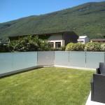 recinzione-vetro-acidato-satinato-profilo-alluminio-design-moderno-elegante-varese-azzate-milano-como-svizzera-canton-ticino-1e